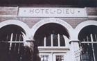 パリ市立病院(HOTEL-DIEU 神の宿)